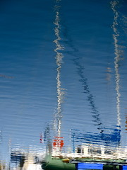 Vote for the Boat (andressolo) Tags: boat boats barco sea water agua distortions distortion distorted docks dock puerto ship ships reflection reflections reflect reflected reflejos reflejo ripples
