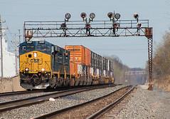 CSX 3197 leading CSX Q009 Ashtabula, OH (Chicago Line Railfan) Tags: csx erie west subdivison ashtabula oh signal bridge es44ah yard q009 signals nyc new york central