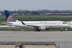 SkyWest Airlines (United Express) // Embraer ERJ-175LR // N140SY (cn 17000470) // KDAY 4/14/17 (Micheal Wass) Tags: day kday jamesmcoxdaytoninternationalairport coxdaytoninternationalairport daytoninternationalairport embraer embraer175 embraer175lr e175 erj170200 erj170200lr embraere175 e75l aerotagged aero:airline=skw aero:man=embraer aero:model=erj aero:series=175 aero:special=lr aero:tail=n140sy aero:airport=kday oo skw skywest skywestairlines