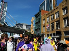 a couple bananas (citymaus) Tags: howweird 2017 streets street streetfest streetfestival streetfair faire fair howard 2nd soma sf sanfrancisco bridge construction transbay banana costume