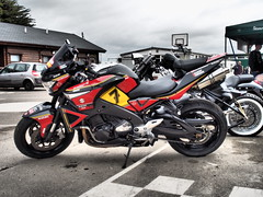 Sheene tribute Suzuki (The Landscape Motorcyclist) Tags: suzuki barry sheene 7 yoshimura pops teamheron brute olympus omd microfourthirds