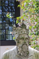 On Your Own Head...... (Mabacam) Tags: 2017 london lambeth southwark statue king crown bust robin alfredthegreat theblackprince henrywoodhalls