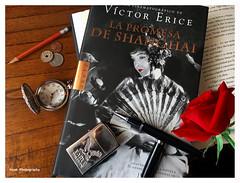 Día del libro -Book Day- (Imati) Tags: bodegón libro rosa reloj lápiz bolígrafo monedas encendedor