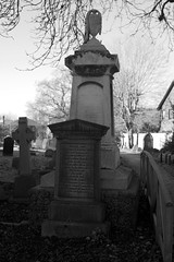 _IAW9342 (IanAWood) Tags: lbofbrent london londoncemeteries nikkorafs58mmf14g nikondf walkingwithmynikon willesden willesdennewcemetery