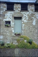 Former Weigh House (Fotorob) Tags: woningenenwoningbcomplx eengezinswoning geschakeldewoning analoog engeland cumbria england kirkbylonsdale
