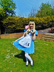 Alice in Wonderland (Elysia in Wonderland) Tags: aliceinwonderland disney cosplay costume marvellous events elysia fancy dress cheshire cat mug