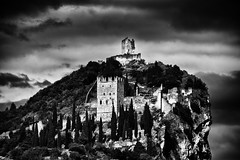 Italian Castle (andrebatz) Tags: italy italia castle old ruins medieval dramatic black white bw bew p pb preto e branco landscape historical spooky hill mountain rocky fortress outdoor nikon d7100 sigma lenses 18 300 mm