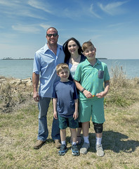Brian_Family Pics Hoopers Island 6_041617_2D (starg82343) Tags: 2d brianwallace hoopersisland pose portrait family easter2017 group water chesapeake easternshore