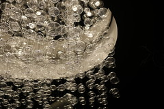Bolle di vetro (Tu hai mai visto un Alice?) Tags: bolle vetro nero bianco hotel hall