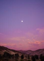 atardecer y luna (rosatifamadelrio) Tags: tlajomulco cerro luna y fave40