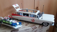 Ecto 1 by Playmobil (Just a Nobody) Tags: playmobil ghostbusters slimer egon spengler ray stantz winston zeddemore janine melnitz louis tully dana barrett peter venkman 2017 stay pufft ghost ghosts toy figure