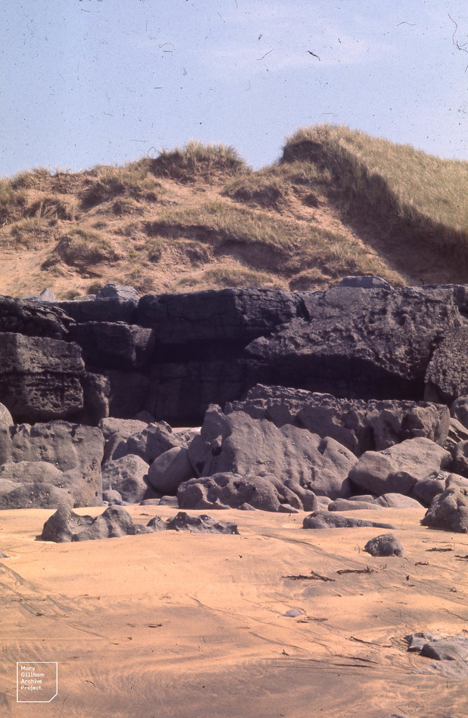 Sand piled on limestone, Fanore