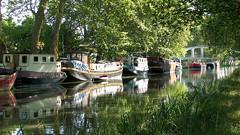 Un havre de paix (maxguitare1) Tags: canon france herault eau agua water acqua canale canal chanel bateau barco boat barca péniche barge canaldumidi