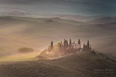 A9905198_s (AndiP66) Tags: villabelvedere villa belvedere sonnenaufgang sunrise nebel dunst fog mist sonne sun morgen morning april spring frühling 2017 sony alpha sonyalpha 99markii 99ii 99m2 a99ii ilca99m2 slta99ii tamron tamronspaf70200mmf28dildif tamron70200mm 70200mm f28 amount andreaspeters fiat ritmo cabrio fiatritmo