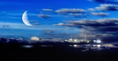 IMG_7681 The ghost ship (Rodolfo Frino) Tags: moon ghost ship clouds night evening sea ocean mar mer reflections luna ciel cielo sky fog foggy haze weather moonlight luzdeluna nocturnal nocturno fishing fishingship cloud