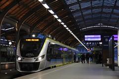 PR EN63A-028 , Wrocław Główny train station 10.05.2017 (szogun000) Tags: wrocław polska poland railroad railway rail pkp station wrocławgłówny ezt emu set electric newag impuls en63a 36wea 36wea028 en63a028 pr przewozyregionalne train pociąg поезд treno tren trem passenger commuter regio 60436 d29132 d29271 d29273 d29276 d29285 d29763 e30 e59 dolnośląskie dolnyśląsk lowersilesia canon canoneos550d canonefs18135mmf3556is