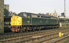 40106 at Newcastle Central, 9th March 1983. (colin9007) Tags: english electric class 40 type 4 40106 d306 newcastle