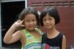 friends (the foreign photographer - ฝรั่งถ่) Tags: jun262016nikon two girls children friends khlong lat phrao portraits bangkhen bangkok thailand nikon d3200