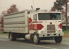 Marmon COE (PAcarhauler) Tags: marmon coe cabover truck tractor