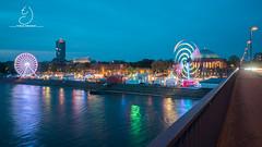Düsseldorf Frühlingskirmes (tobias-d) Tags: düsseldorf dusseldorf frühlingskirmes kirmes pempelfort tonhalle rheinufer rhein spiegelung batis zeiss