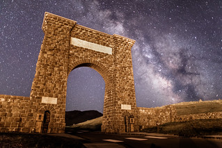 Milky Way rising over Roosevelt Arch 5.5.17