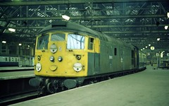 26015 at Glasgow Central, 30th August 1983 (colin9007) Tags: brcw sulzer class 26 type 2 bobo 26015 d5315 glasgow central gswr