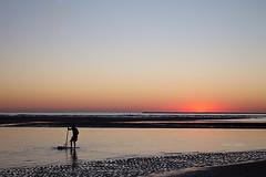 Mariscadores (Charo Castro) Tags: mariscadores islacanela ayamonte huelva andalucía atardecer ocaso mar playa canon charocastro
