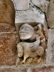 Benet - Sainte-Eulalie (Martin M. Miles) Tags: benet sainteeulalie templeofreason warinthevendée butcher pig boar corbel vendée 85 paysdelaloire france
