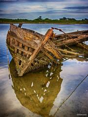 Épave du Pô - #01 (DENISDROUAULT) Tags: abandon bateau bateaux borderfx breizh bretagne carcasse cimetière de denis drouault jimages mer morbihan pêche