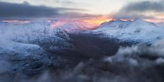 The Glory of the Morning (svensl) Tags: dearg eighe liathach torridon scotland schottland winter highlands alligin horns scottish photography landscape