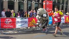 London Marathon 2017 Rhino Elly (sarflondondunc) Tags: londonmarathon westminsterbridge westminster london 2017 rhino savetherhino