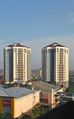 Plaza Marina (Everyone Sinks Starco (using album)) Tags: surabaya eastjava jawatimur building gedung arsitektur architecture apartment apartemen
