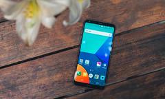 Fly like a (LG) G6 (tinhyeu_biboquen_11792) Tags: smartphone product flatlay woodentable dark glossy black lgg6 lg android