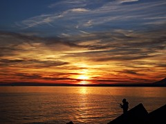 Puesta de sol (Antonio Chacon) Tags: andalucia atardecer marbella málaga mar mediterráneo costadelsol cielo españa spain sunset sol nubes nature naturaleza agua