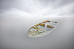 Hundida (Txeny4) Tags: barca hundida port de la mercé alicante campello minimalista largaexposicion haida lucroit nd canon txeny4