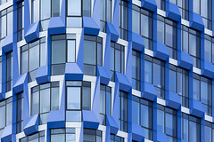 Blue building (on Explore) (Jan van der Wolf) Tags: map171340v amsterdam architecture architectuur building gebouw modernarchitecture zuidas windows ramen gevel facade blue blauw nautadutilh kantoor office