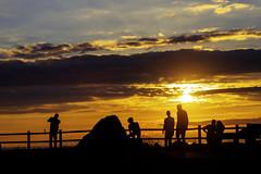 Contraluz (ccc.39) Tags: asturias gozón cabopeñas atardecer ocaso puestadesol contraluz siluetas nubes rayos figuras