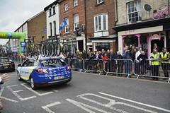 Tour De Yorkshire Stage 2 (657) (rs1979) Tags: tourdeyorkshire yorkshire cyclerace cycling teamcar teamcars tourdeyorkshire2017 tourdeyorkshire2017stage2 stage2 knaresborough harrogate nidderdale niddgorge northyorkshire highstreet