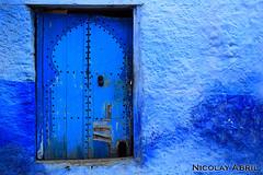 Chefchaouen door (Nicolay Abril) Tags: شفشاو الشاون تطوان المغرب أفريقيا العربي chauen xauen chefchauen tangiertetouan tétouan tangertetouan tangertetuan tetuán tetuanprovince marruecos marocco morocco maroc marokko maghreb magreb africa afrika afrique chefchaouen chaouen xaouen