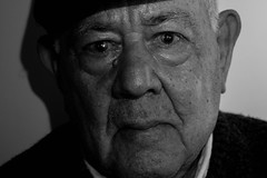 Grandfather (Luisi Vazquez) Tags: grandfather abuelo bnw blackandwhite wrinkles arrugas mirada look retrato portrait mono family familia person people noiretblanc