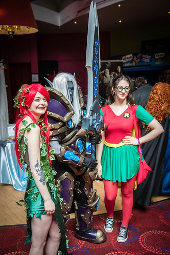 Poison Ivy, Death Knight, Robin cosplay