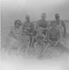Vintage Jersey Sore (nate'sgirl) Tags: vintage bw blackandwhite scan photo family retro blancoynegro america familia cousins jerseyshore seaside shore beach