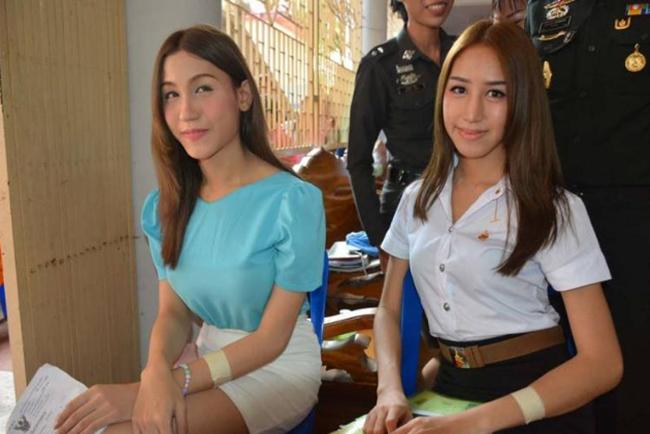 Vẻ đẹp khó cưỡng của những bóng hồng chuyển giới trong đợt tuyển nghĩa vụ quân sự Thái Lan - Ảnh 7.