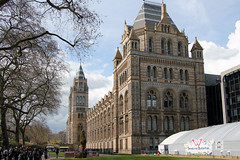 Natural History Museum London (Canadian Pacific) Tags: london england britain uk unitedkingdom great english british building architecture museum naturalhistory cromwellroad sw7 2016aimg1287 southkensington