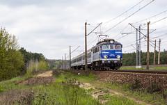 EP07-1033 (Łukasz Draheim) Tags: poland polska pociąg pkp kolej nikon d5200 bydgoszcz landscapes landscape scenerie scenery train transport railway railroad rail
