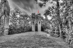 Tour du Castela 05 (Robinl81) Tags: nb black white hdr castel chateau ruine ruined brique brick monochrome tour tower