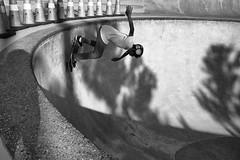 Momentum (minus6 (tuan)) Tags: minus6 leicamonochrom elmarit 128 28mm houston leeandjoejamail skatepark skateboarding mts