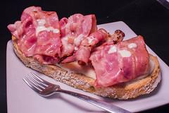 Café Bar La Parada - Tosta de queso picón y bacon