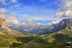 Col Rodella (Maurizio Longinotti) Tags: colrodella passosella dolomiti valdifassa valgardena dolomites panorama landscape cielo sky nuvole clouds grupposella sassolungo odle sudtirol altoadige montagna mountain