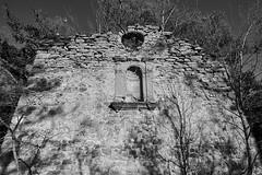 Ruinas 1 (CarlosJ.R) Tags: aragón bosque españa huesca pirineos sanjuandelapeña